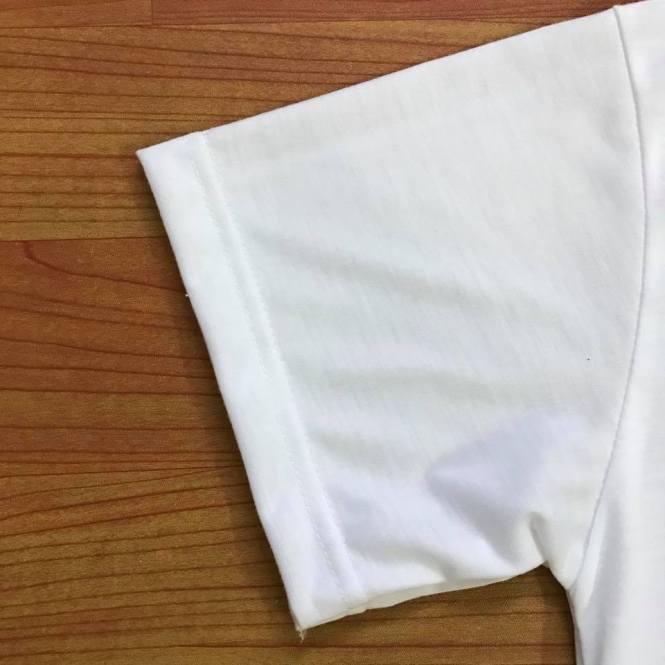 ตัวอย่างงานเย็บ เสื้อ TC TK แขนเสื้อตรงสวย เย็บลาคู่ใหญ่ ทำให้งานเย็บพับลาไม่แตก ไม่หลุดง่าย